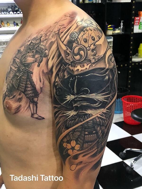 xăm chiến binh nhật bản samurai trên ngực và tay