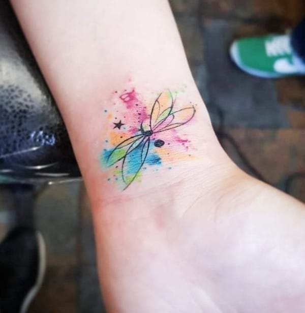 Dragonfly-tattoo-on-wrist