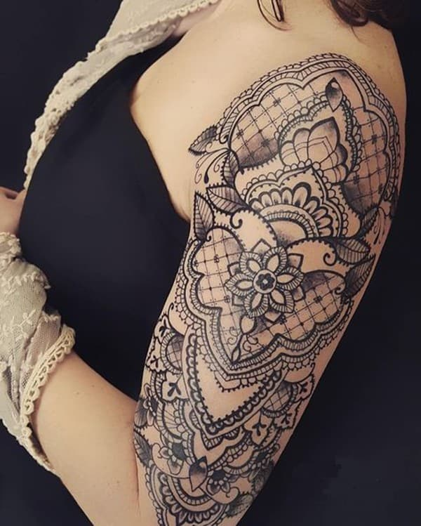 female-mandala-tattoo