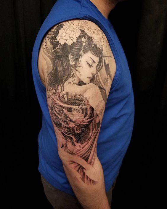 hình xăm geisha và rồng ở bắp tay