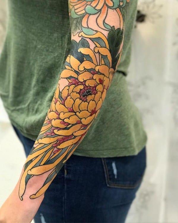hình xăm hoa cúc vàng