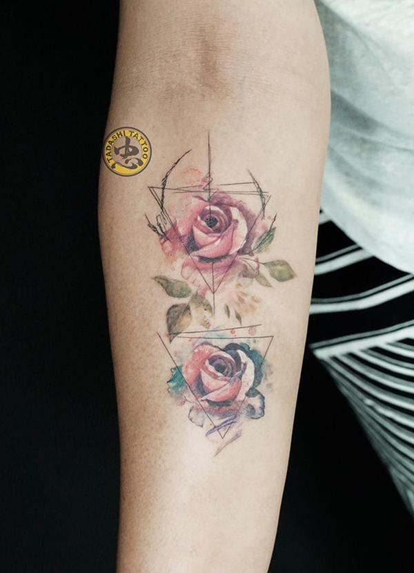 ý nghĩa hình xăm hoa hồng đỏ là may mắn và tình yêu