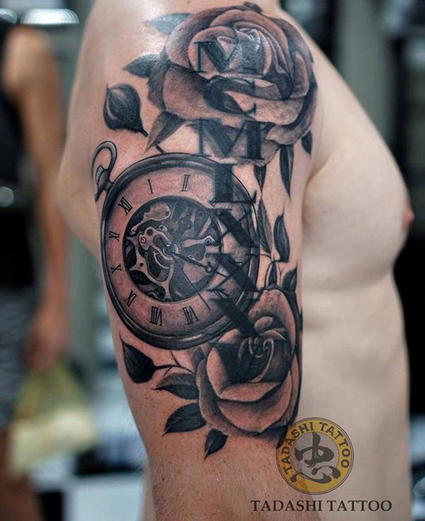 Ý nghĩa hình xăm đồng hồ la mã và hoa hồng