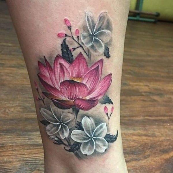 hình xăm hoa sen ở cổ chân