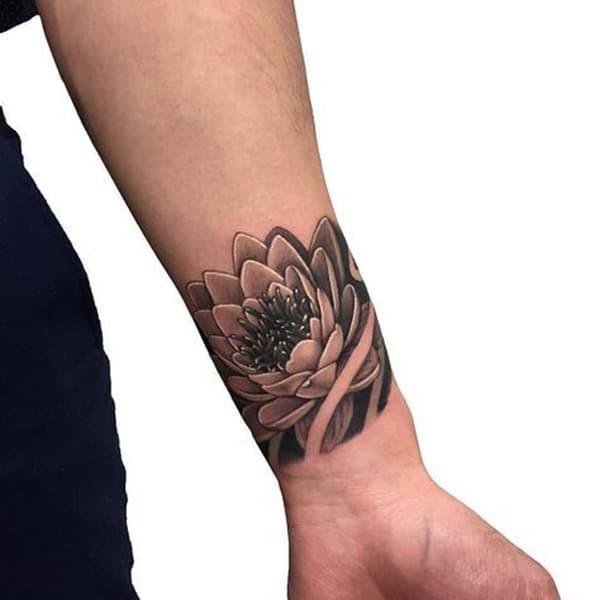 xăm hình hoa sen ở tay