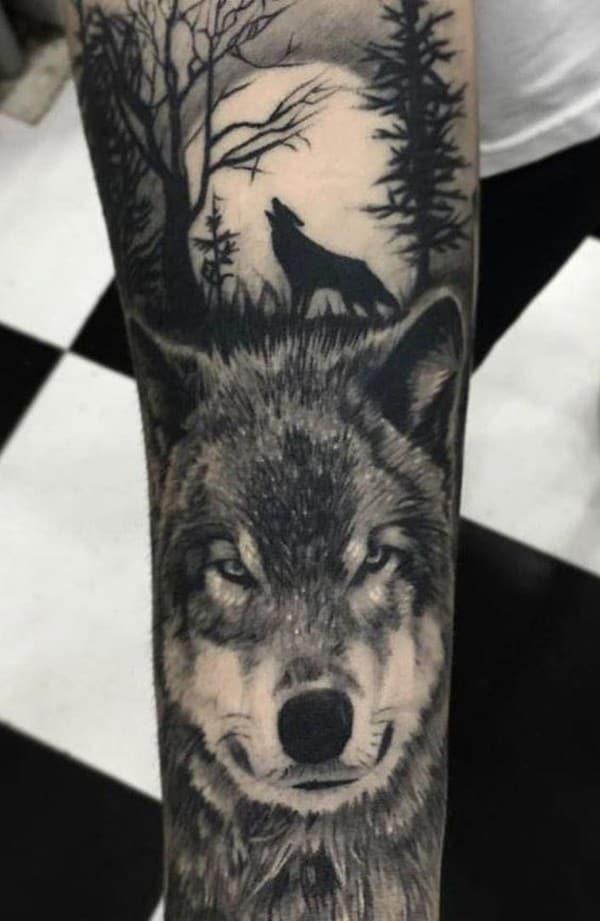 hình xăm nhỏ chó sói hú trăng