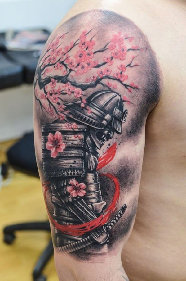 hình xăm samurai và hoa anh đào