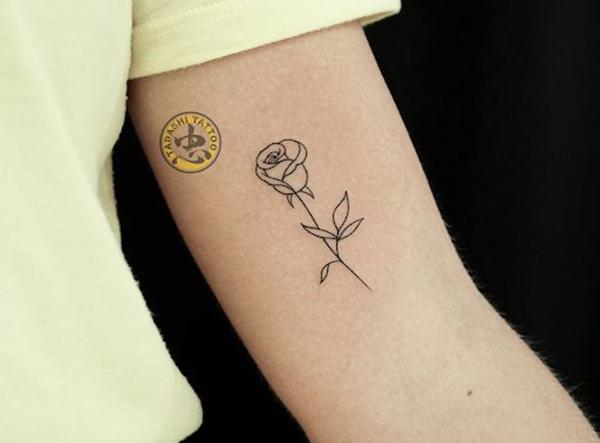 hình xăm hoa hồng ở tay