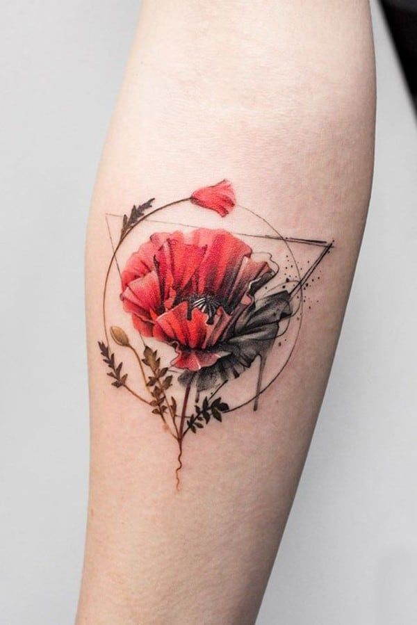 Poppy-tattoo-on-hand