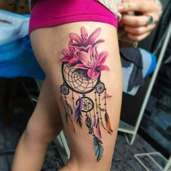 tattoo dream catcher on thigh