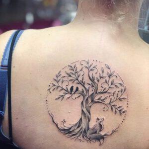 Ý nghĩa hình xăm cây cổ thụ là gì?