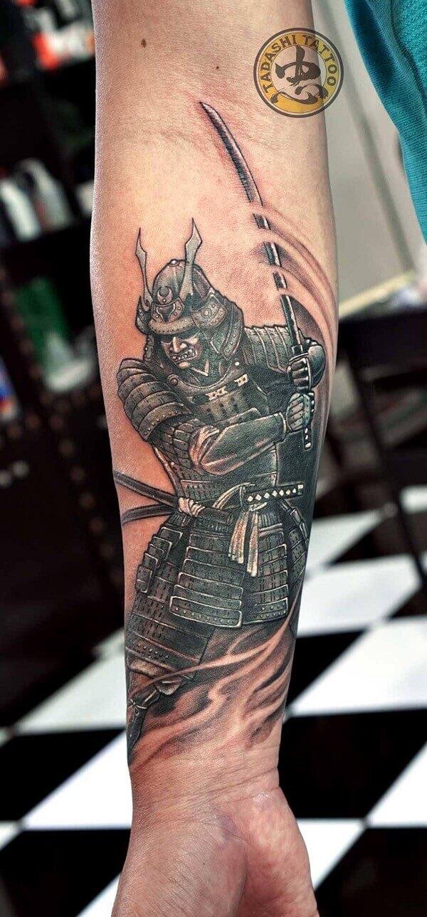 hình xăm samurai nhật cổ 3D trên cánh tay