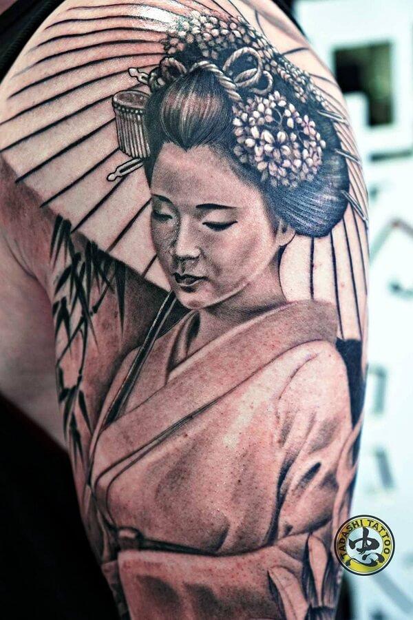Hình xăm Geisha cầm ô