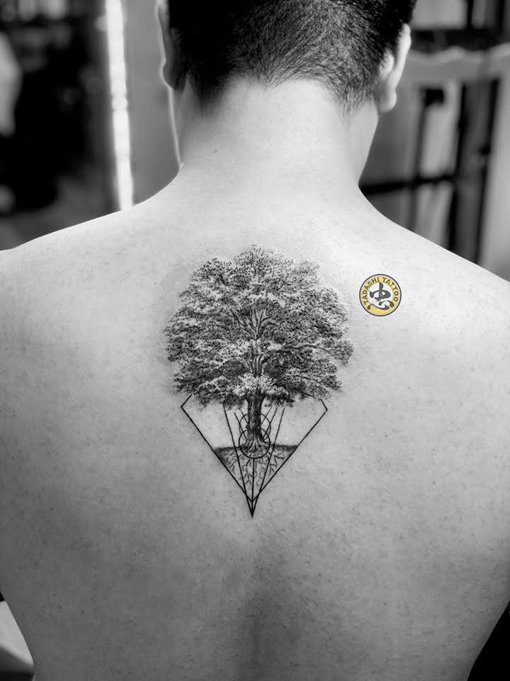 hình xăm cây đẹp sau gáy