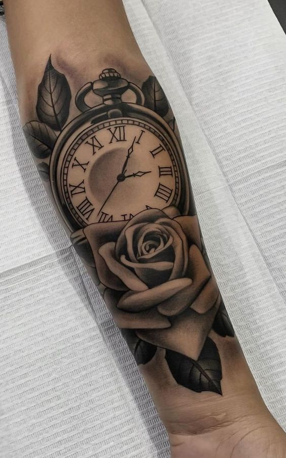 hình xăm hoa hồng đồng hồ ở cổ tay