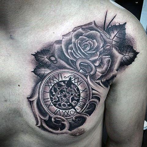 hình xăm hoa hồng và đồng hồ la mã 3D trước ngực