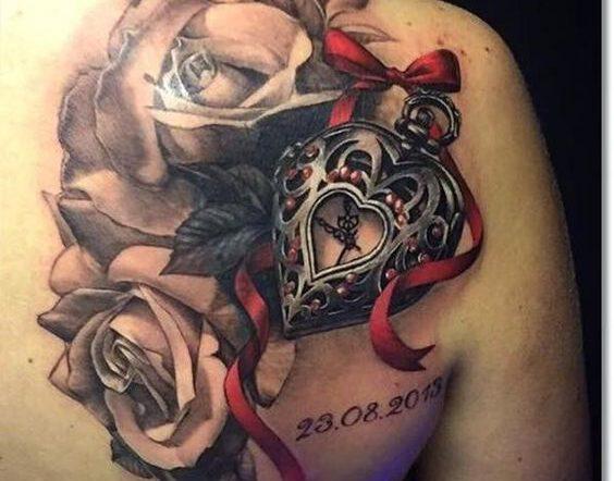 Ý nghĩa hình xăm hoa hồng đồng hồ