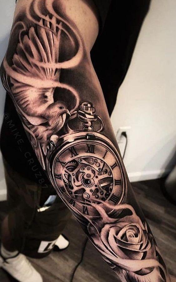 hình xăm đồng hồ hoa hồng ở tay