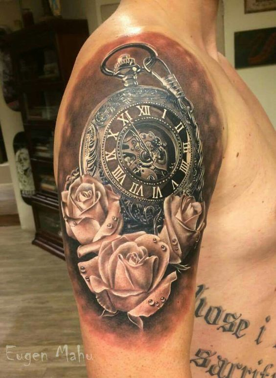 Xăm hình đồng hồ hoa hồng thích hợp ở vị trí cánh tay nam giới