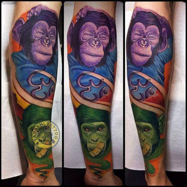 hình xăm khỉ với màu sắc rực rỡ cho phong cách thời trang đẹp tuổi giáp tý