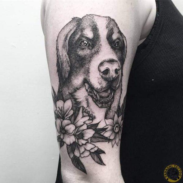 Hình xăm chó, biểu tượng của những người sinh năm 1982 Nhâm Tuất