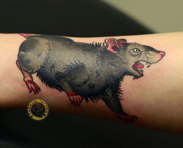 hình xăm chú chuột mang lại may mắn và tài lộc cho tuổi bính tý