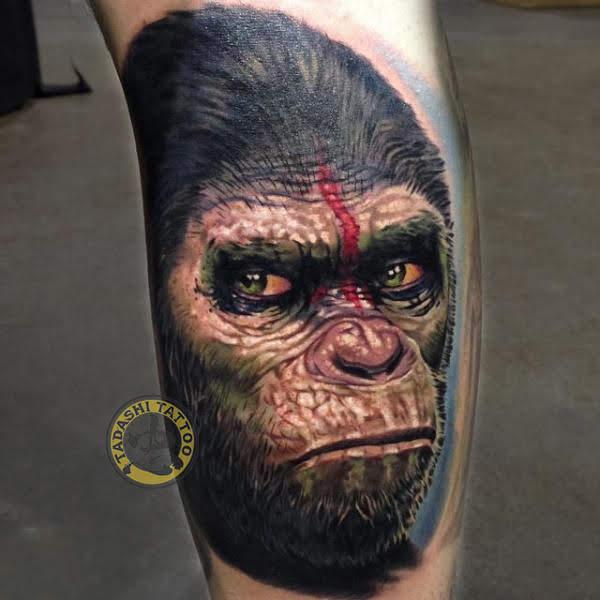 Hình xăm con khỉ với màu đen là màu chủ đạo được nhiều bạn nữ yêu thích