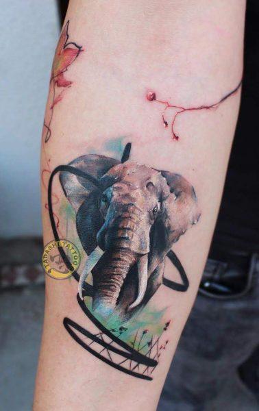 Hình xăm con voi thích hợp cho cả bạn nam lẫn bạn nữ tuổi Mậu Dần