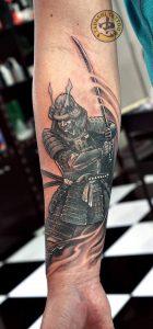 HÌnh xăm samurai cực đẹp cho cổ tay