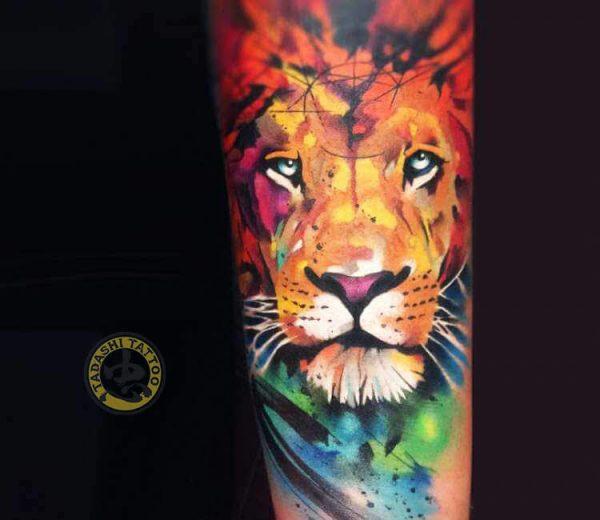 hình xăm sư tử ở cổ