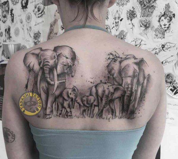 Hình xăm con voi là một trong những mẫu hình xăm hợp tuổi 1990