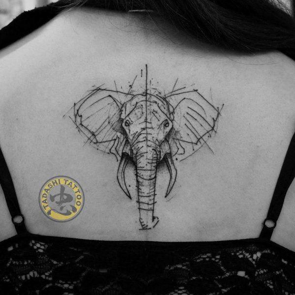 Hình xăm con voi được các bạn nam lẫn bạn nữ tuổi Canh Ngọ yêu thích và lựa chọn