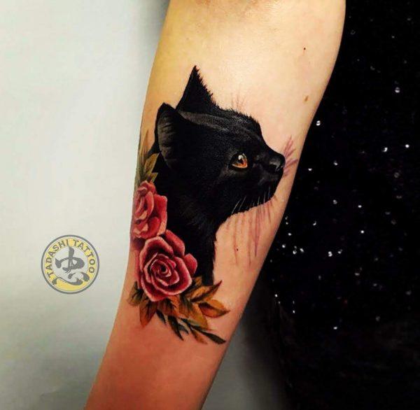 Hình xăm chú mèo đen mang lại vận may cho chủ nhân đinh mão