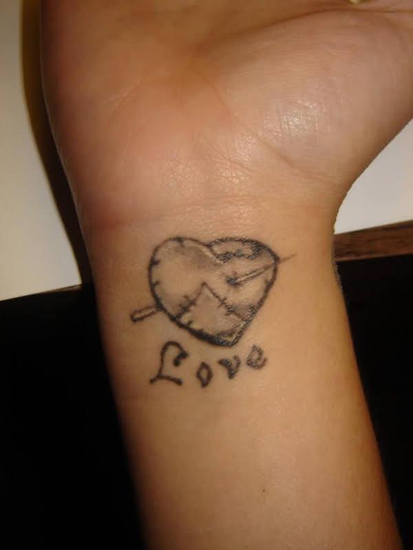 ý nghĩa hình xăm trái tim