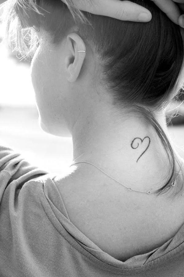 xăm trái tim sau gáy